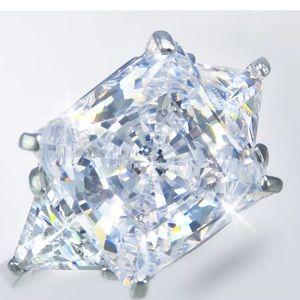 BLING BLING!  12ct Diamond Simulant Ring-NEW!